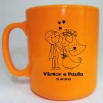 Canecas plásticas personalizadas Victor e Paula
