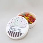 Latinhas personalizadas para batizado Betina
