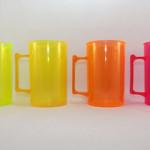 Canecas fluorescentes verde, amarelo, laranja e rosa para personalizar