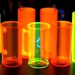 copos de acrilico personalizados e canecas neon