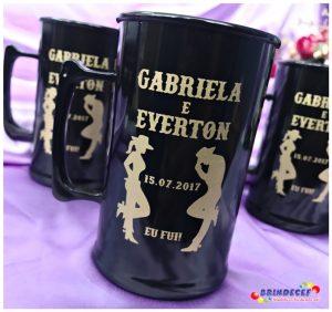 Canecas de acrilico personalizadas Gabriela e Everton
